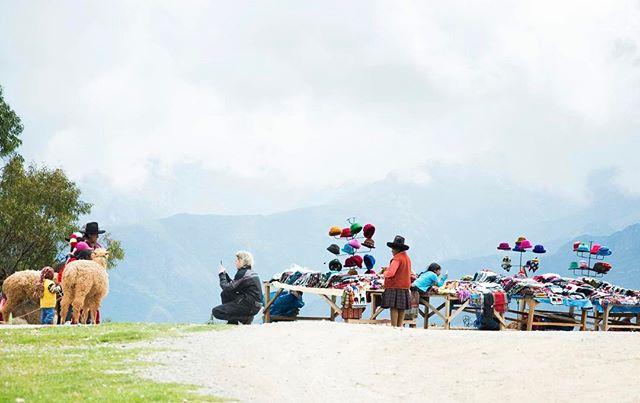 #travelphotography #traveler #naturephotography #traveling #travel #landscapephotography #people #smallshop