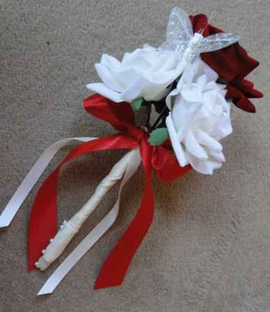 Flowergirl Wand With Ivory & Red Roses