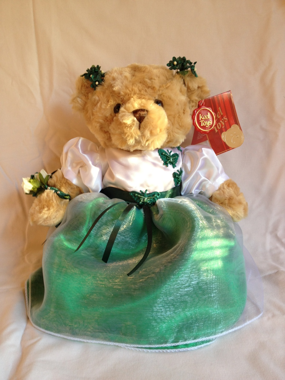 Flowergirl Bear With Emerald Green Skirt & Ivory     Bodice
