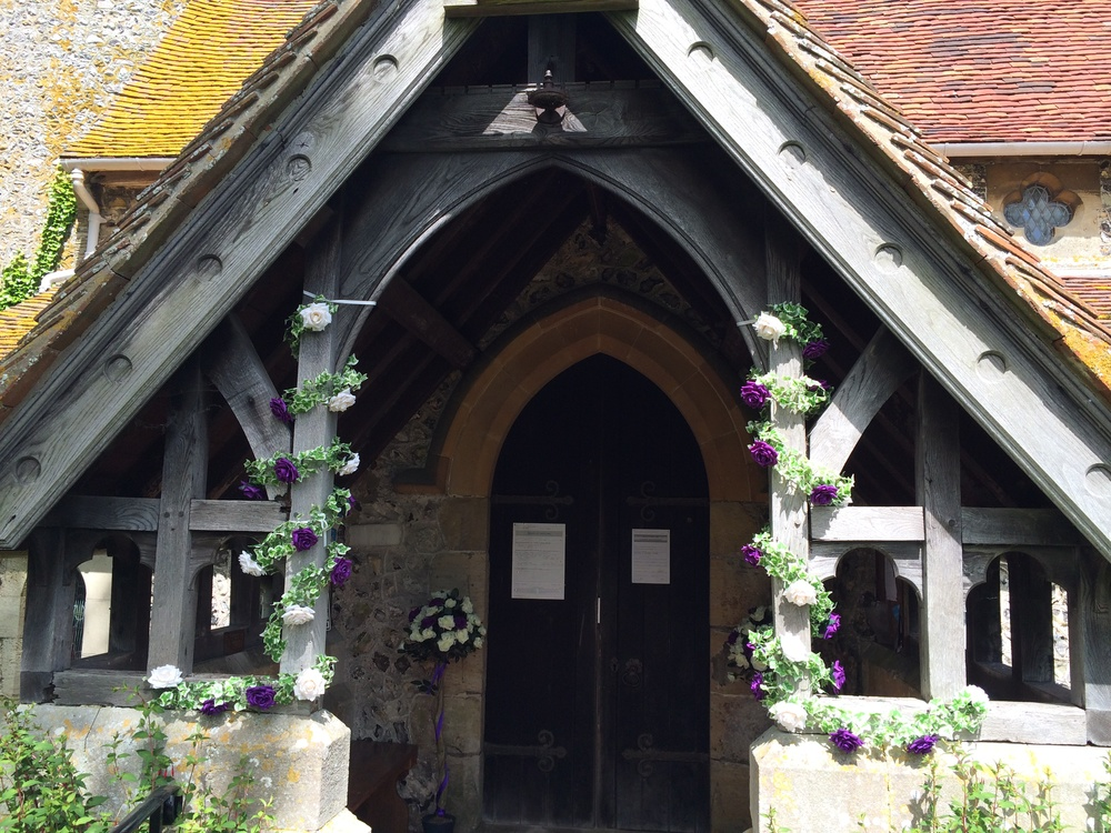Church Porch Garlands - Ivy With Ivory Roses
