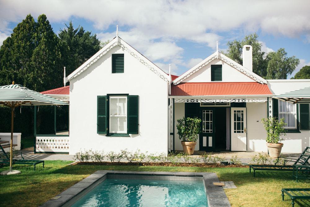 heisvisual-wedding-photographers-documentary-dorstdy-hotel-graaff-reinet-south-africa017.jpg