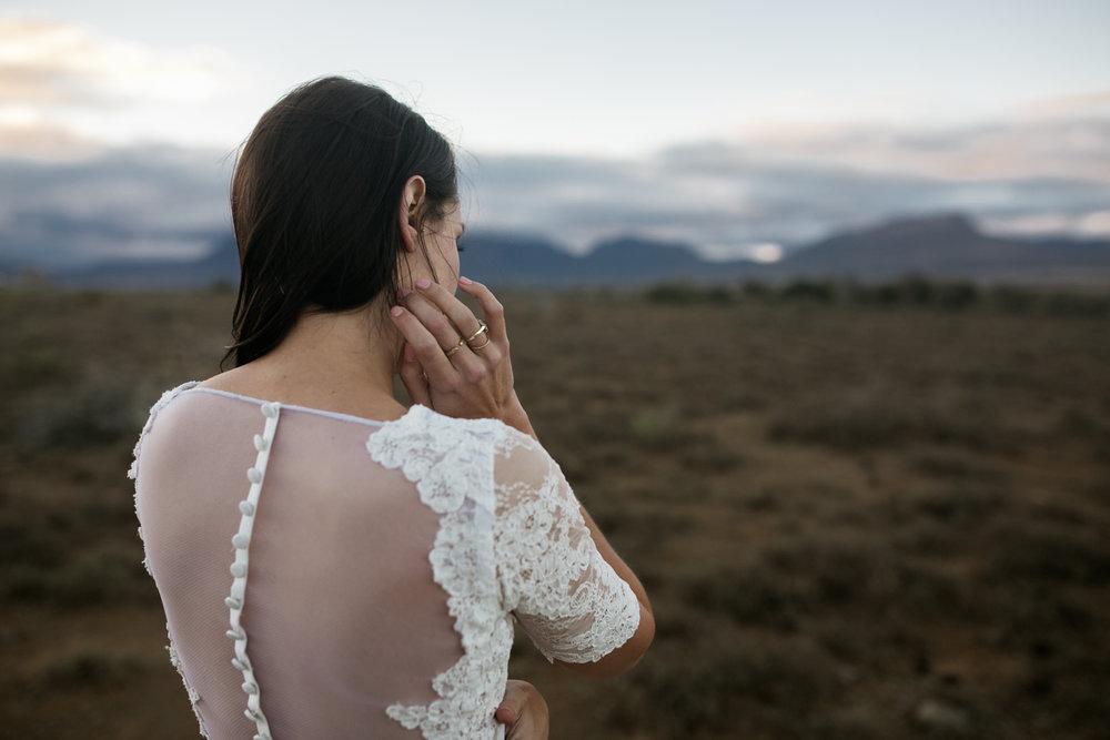 heisvisual-wedding-photographers-documentary-dorstdy-hotel-graaff-reinet-south-africa076.jpg