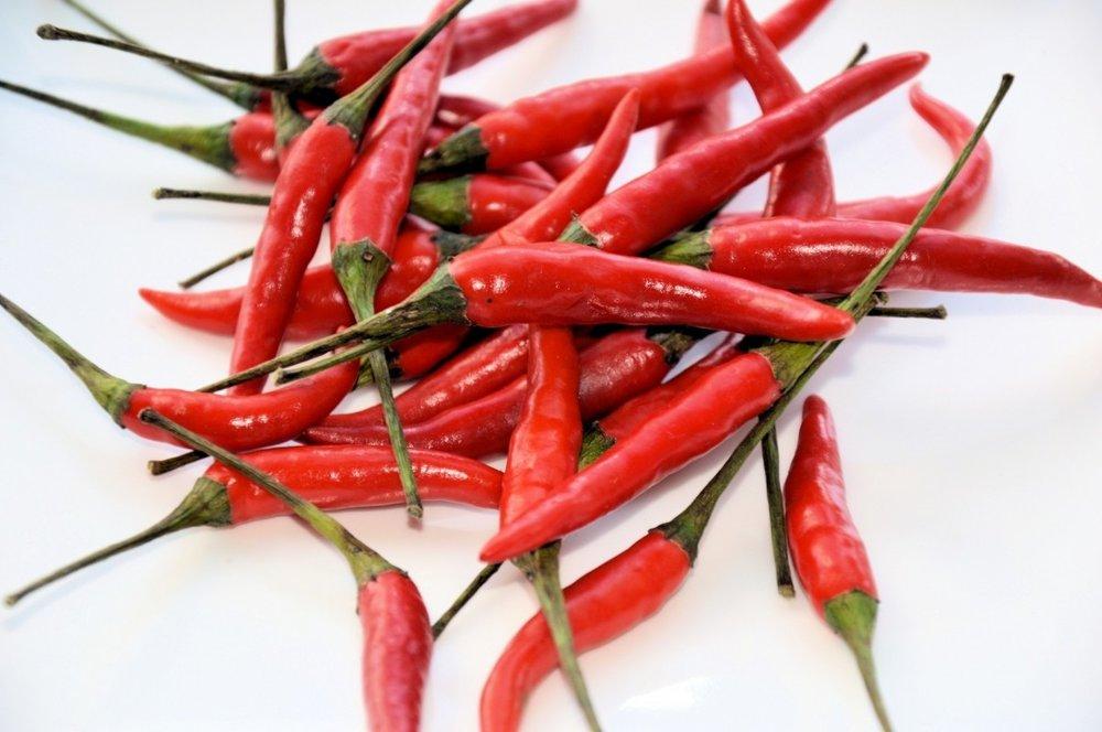peppers_food_vegetables_hot_spice_fresh_healthy_vegetable-1105831.jpg