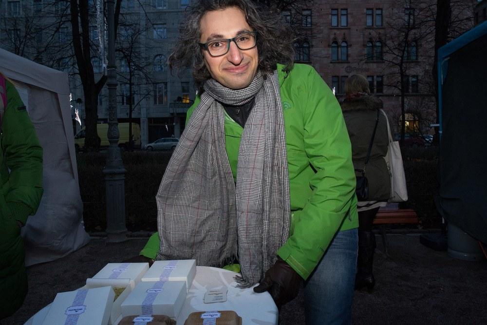 Photo by Alexander Popkov