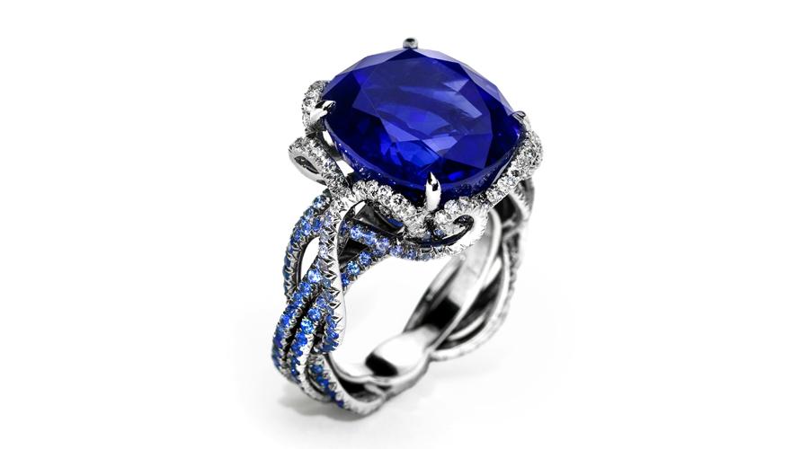 Medusa Ring 900x500.jpg