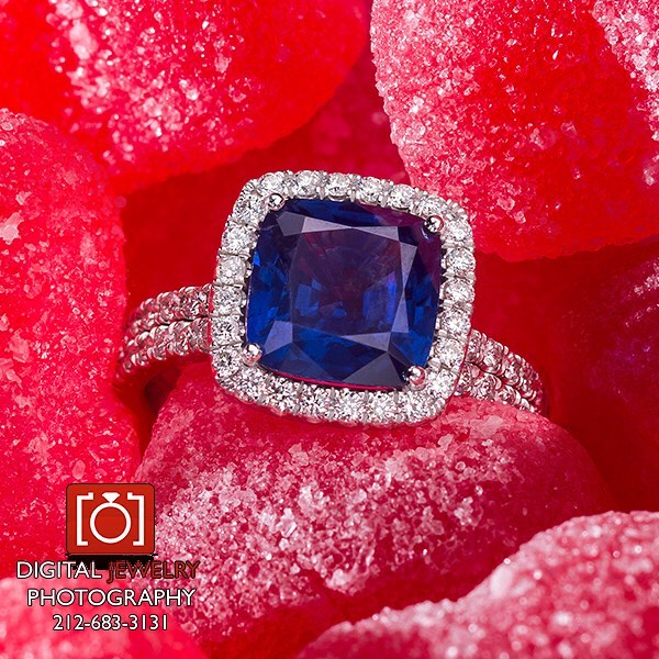 Happy Friday!!! #love  #sapphire #haloring #candy #forher #luxury