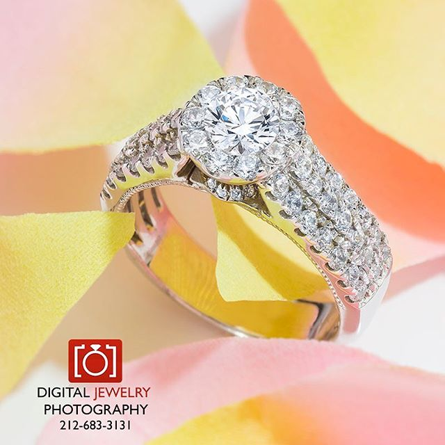 He loves me, he loves me not. He loves me! Let us help you celebrate your love of great jewelry with our photography. 💍💋💏. By www.digitaljrwelyphotography.com #lifestylephotography #jewelryphotography #womensjewelry #forher #beautiful #sayyes #bridal #yes #loveme #engagmentring