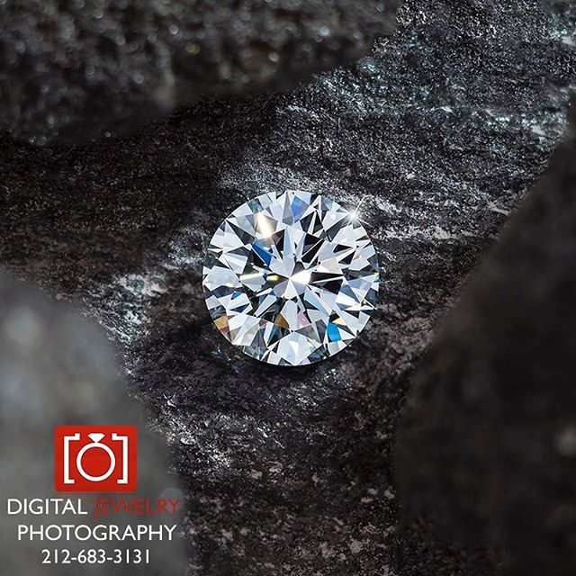 Nothing like finding a diamond in the rough. Have a great weekend!#diamond #loosediamonds #brilliantcut #jewelryphotography #lifestylephotography #luxurylife #weekend #gemstones #photography #macrophotography