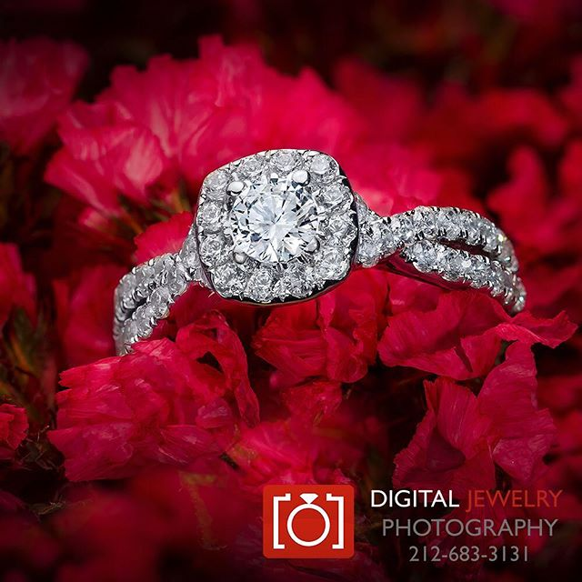 Dynamic #lifestylephotography by #digitaljewelryphotography. Love #haloring
