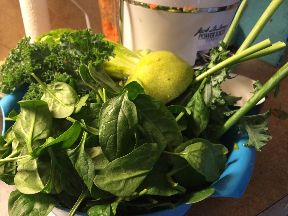 Kale, pear, spinach, celery, cucumber and orange, romaine lettuce