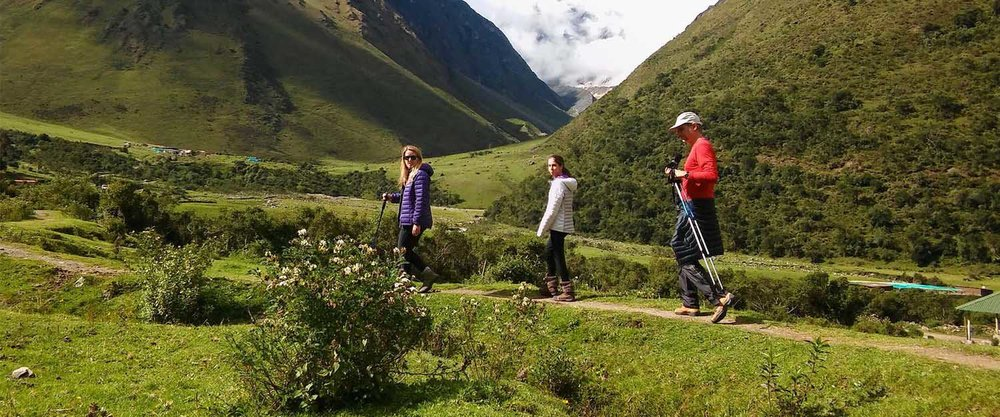 THE SALKANTAY TREKKING    Free WiFi