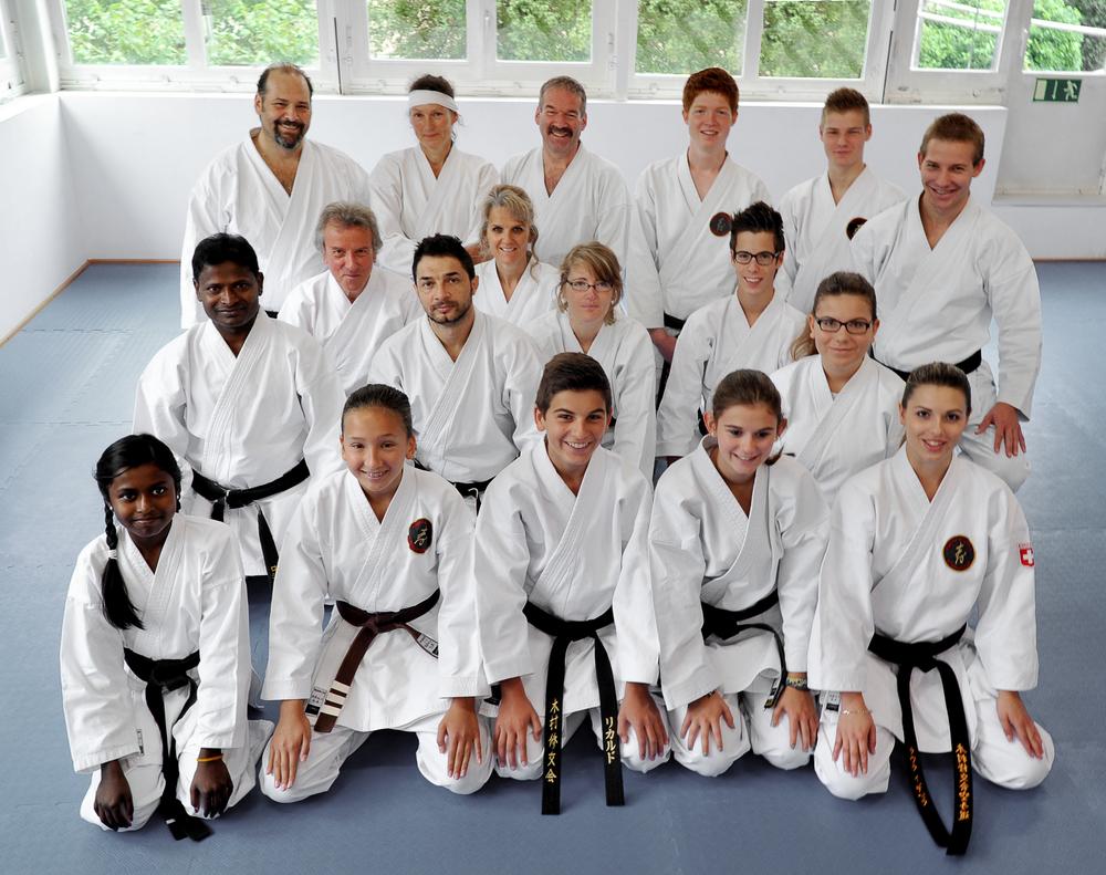 Ob im eigenen Dojo, über ein ganzes Land oder weltweit: Shukokai Karatekas fühlen sich als eine grosse Familie.