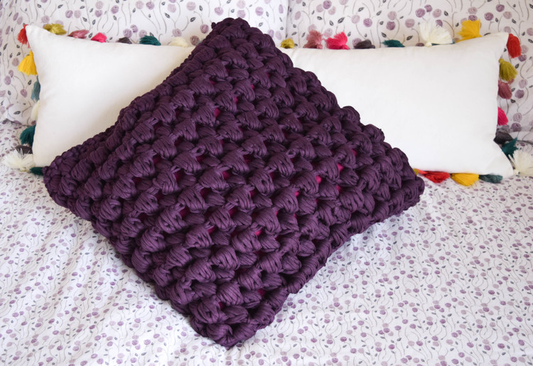 ganxxet fabric yarn pop corn stitch pillow