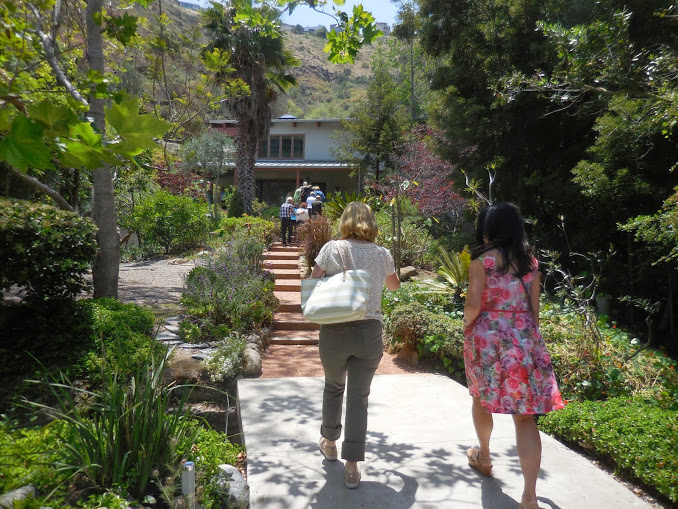 2015  charm house tour in typical leafy Laguna canyon setting