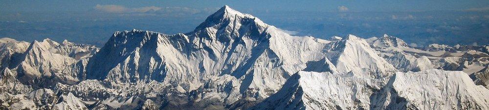 1280px-Mount_Everest_as_seen_from_Drukair2_PLW_edit.jpg