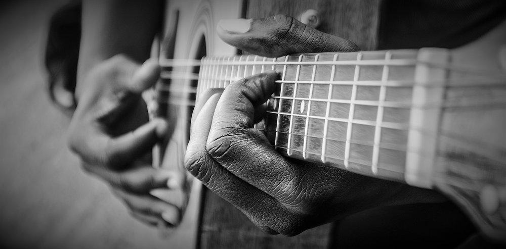 guitar-1016402_1920 (2).jpg
