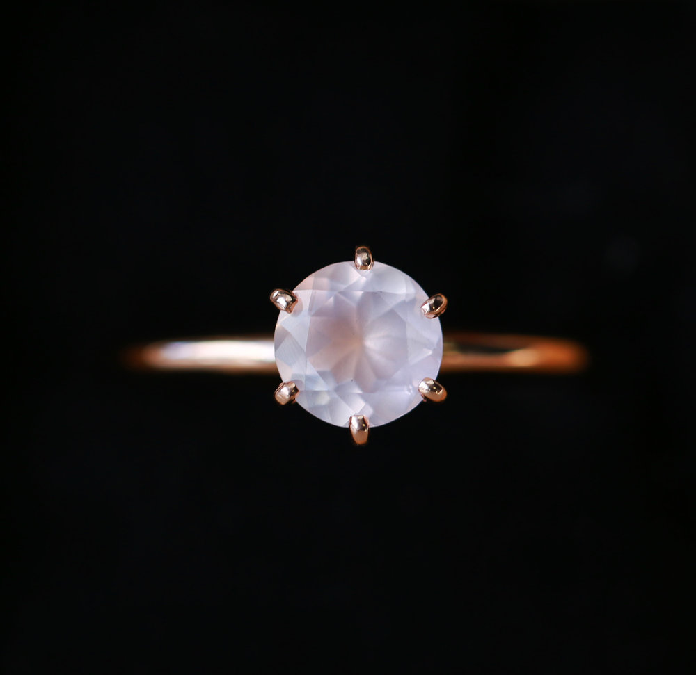 tension wedding green blue engagement rose gold side ring rings round in cut nl diamond with rg white quartz stone jewelry sapphire prong crossover curve set