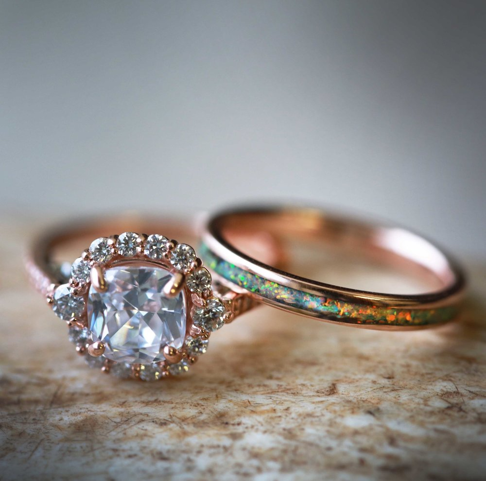 14K ROSE GOLD ENGAGEMENT RING WITH 2CT MOISSANITE STONE AND A