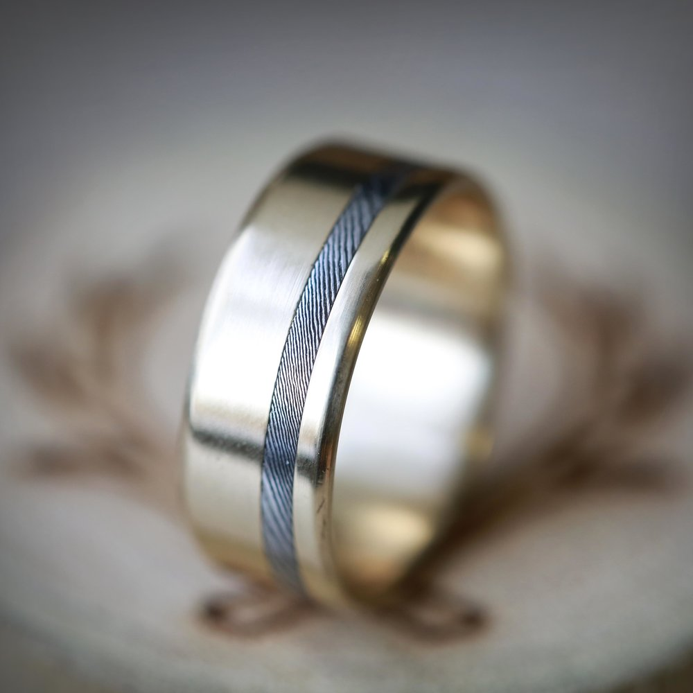 VERTIGO IN 14K YELLOW GOLD WITH OFFSET ETCHED DAMASCUS STEEL
