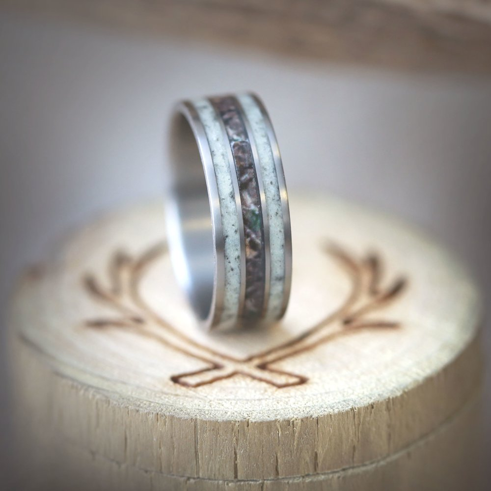 Superbe MENu0027S CAMO WEDDING RING WITH REAL ELK ANTLER (available In Titanium,  Silver, Black Zirconium U0026 14K White, Rose Or Yellow Gold)