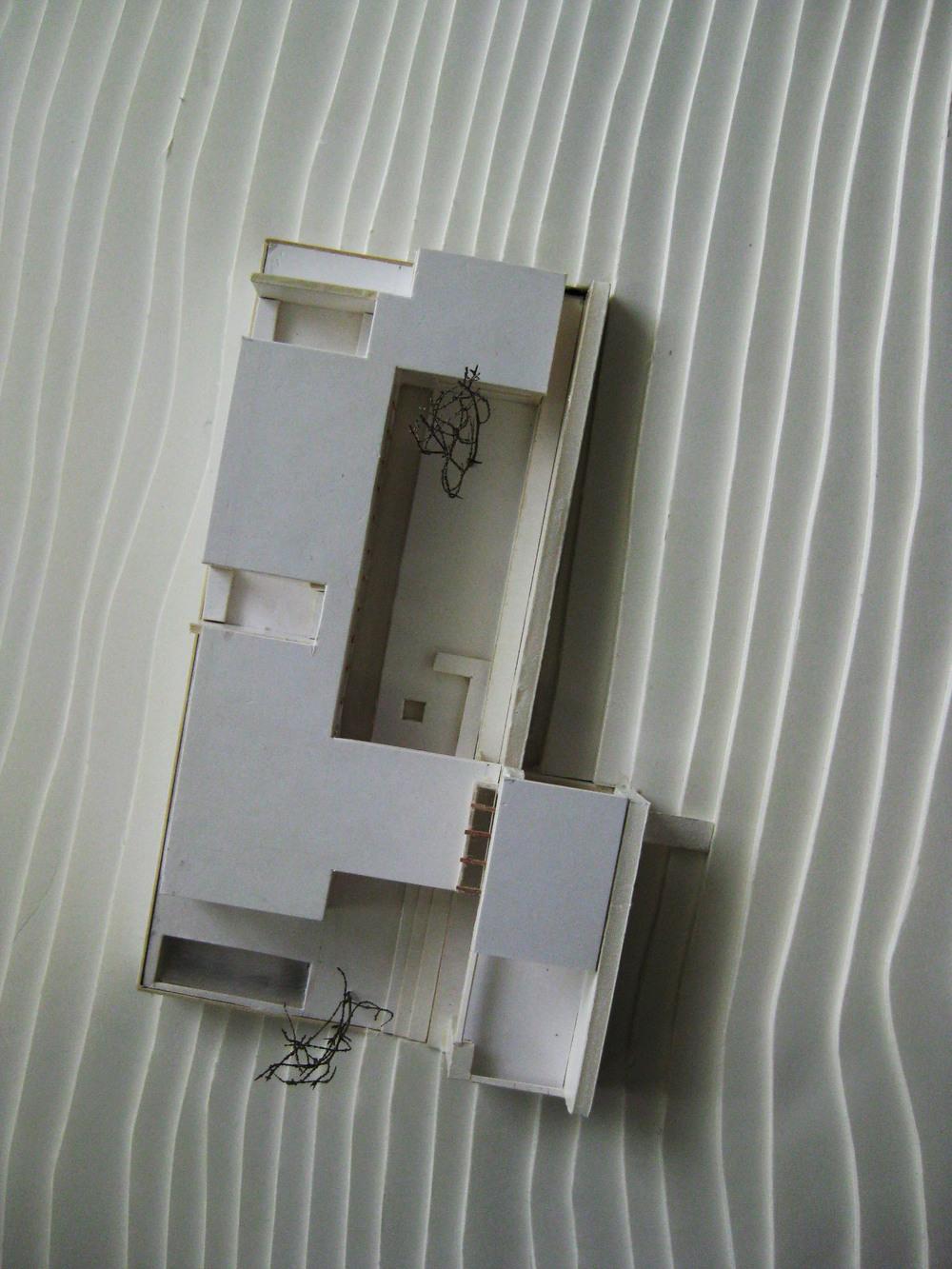 081031 house model 009.jpg
