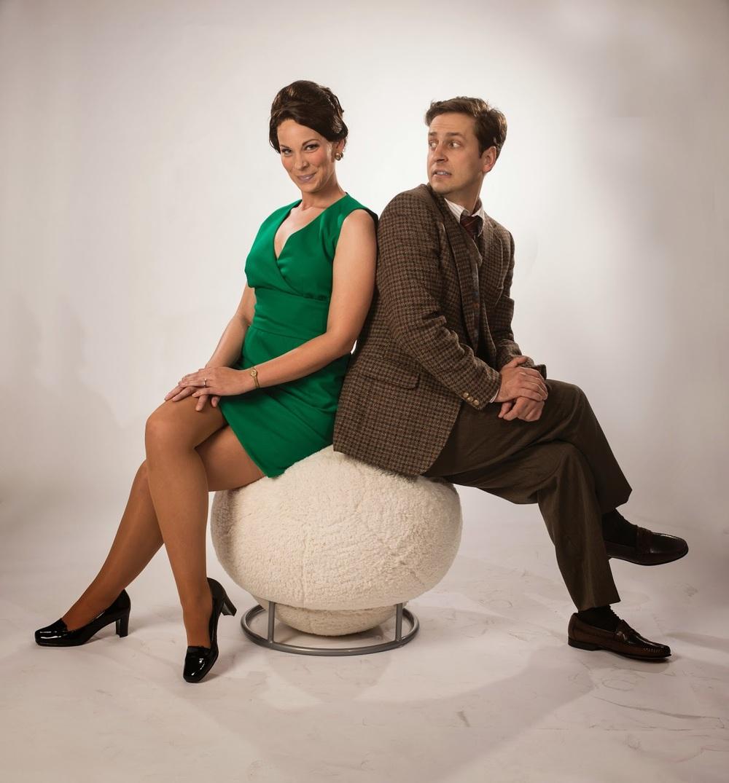 Thomason as Gabriella &Mattfeld as Robert in Boeing Boeing