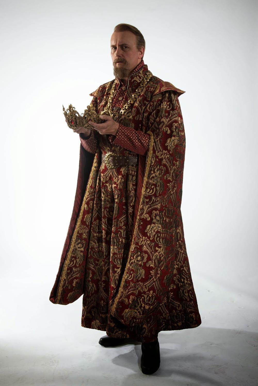 Bull as Henry IV