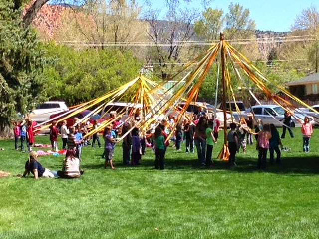 Dance around the Maypole