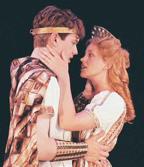 Cameron McNary (left) as Troilus and Tyler Layton as Cressida in  Troilus and Cressida,  1999.