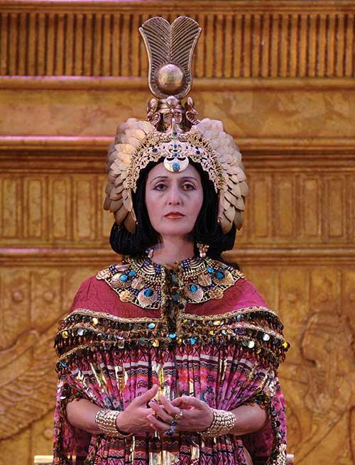 Jacqueline Anatamerian as Cleopatra in Antony and Cleopatra, 2006.