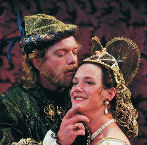 Sheridan Crist as King Henry VIII and Gwyn Fawcett as Anne Bullen in Henry VIII, 1995.