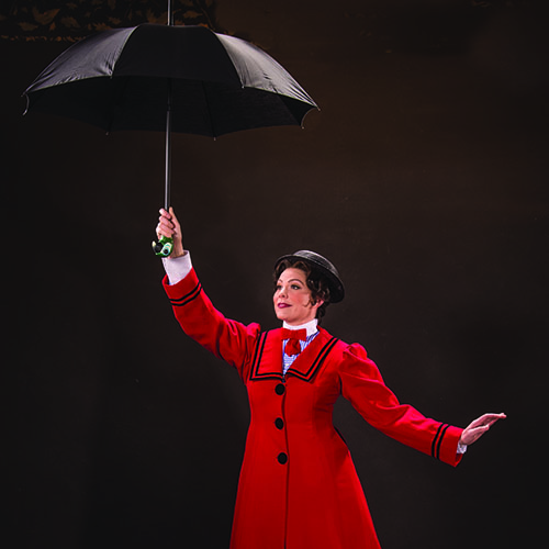 Elizabeth Broadhurst as Mary Poppins in Mary Poppins, 2016.