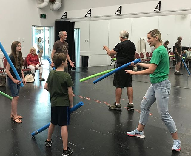 "‪Tracie Lane (currently playing Joan of Arc in ""Henry VI Part One"") teaching a stage combat workshop to guests.‬ #henryvi1usf"