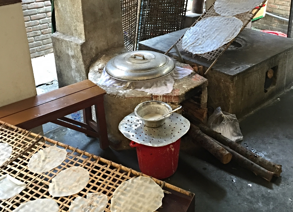 The original style of making rice paper.