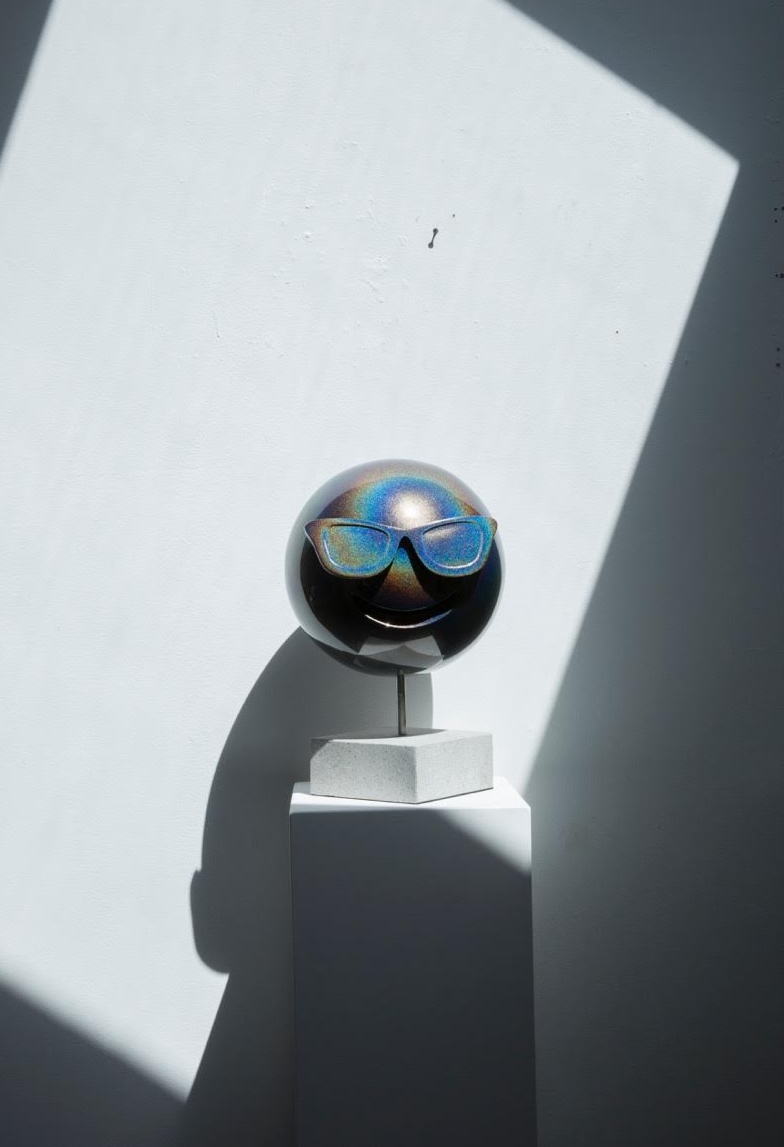 LaPenta_Emoji_Sculpture_Rainbow_Sunglasses_2.jpg