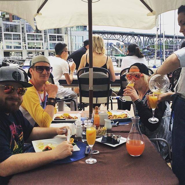 Another #stellar brunch of bottomless #mimosas 🍾🍾🍾 #brunchclub #maylongweekend #vancouverseawall #vancitybuzz #foodbloggers #patiotime #summervibes #sunsout #funsout #comejoinus #dailyhivevan 🍾🍾🍾