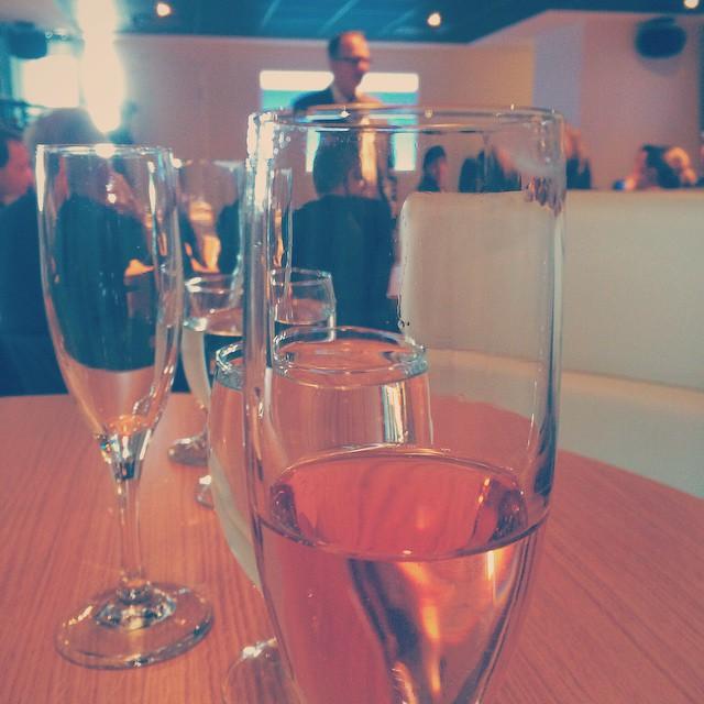 Du vin de glace pour une nouvelle de feu #acquisition #partner #print