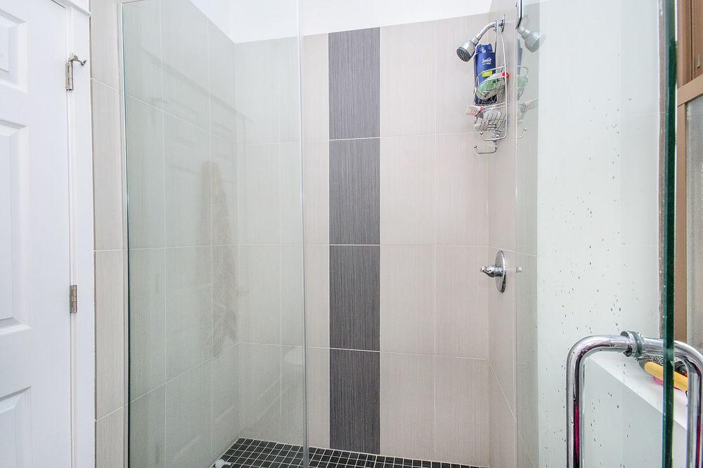 1bathroom2[1].jpg