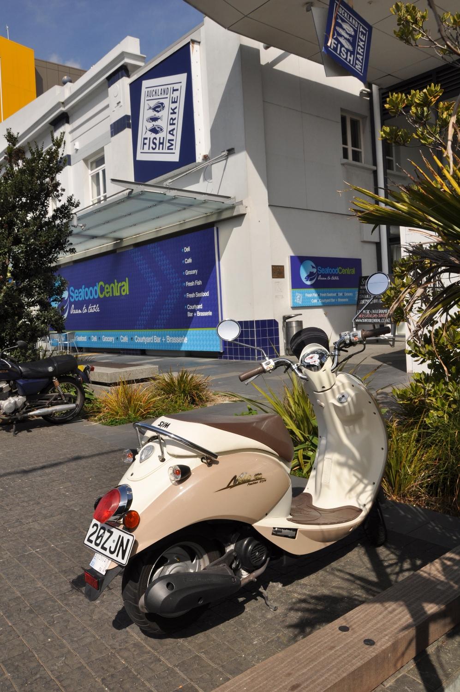 Auckland seafood market 3.jpg