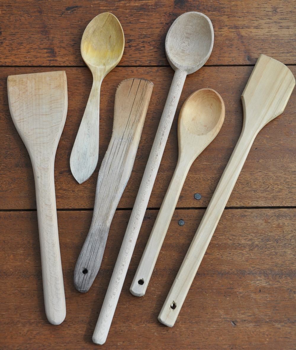 en scandinavian model utensils kitchen
