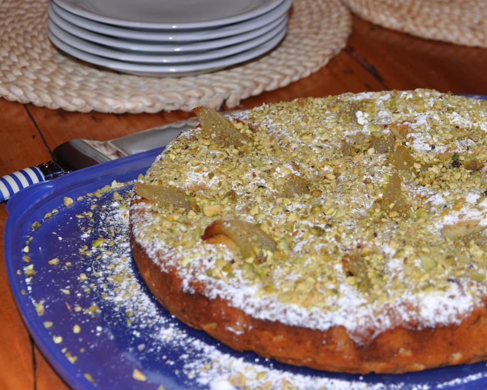 Per and Pistachio Cake