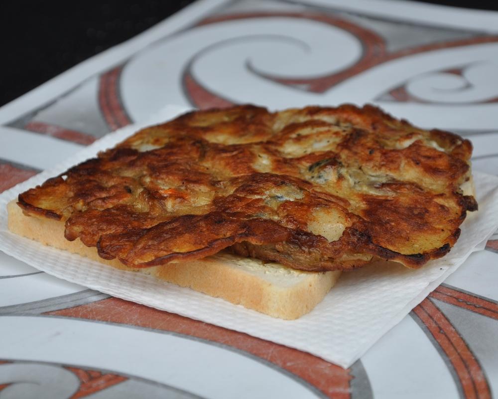 The Kiwi mussel fritter sandwich