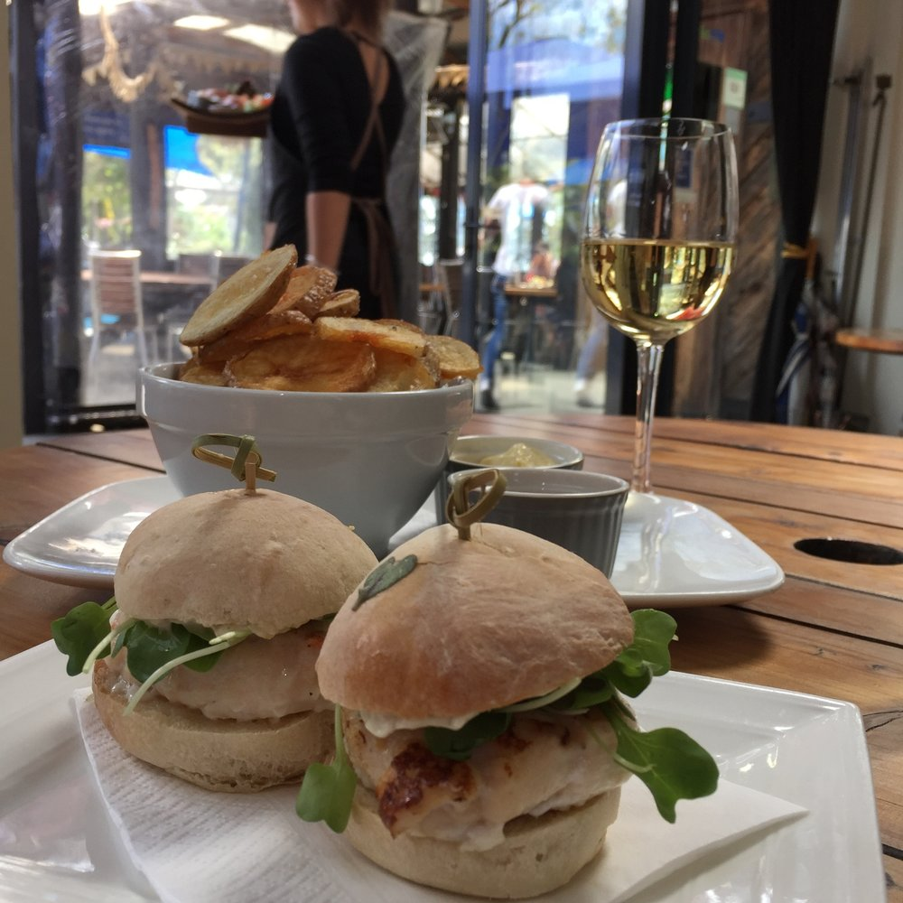 Crab sliders and a cheeky Pinot Gris