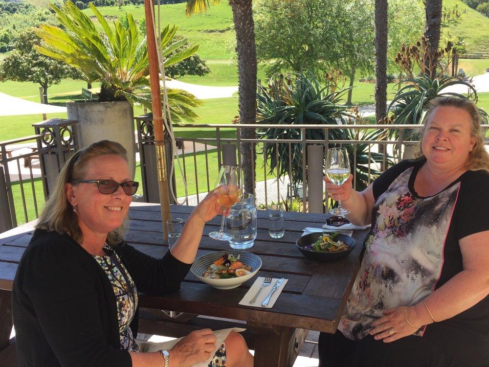 dining on verandah.JPG