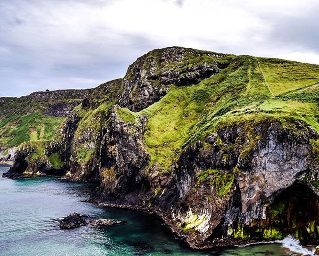 Photos from my trip to Northern Ireland aka Westeros are live on the blog in case you need your daily dose of wanderlust. 📷 #takemeback #ireland #got #travelphotography #explore #nature #ireland #travel #wanderlust #vsco #vscogram #vscotravel