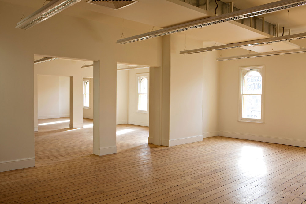 The large floorpan provides maximum opportunity for a commercial address