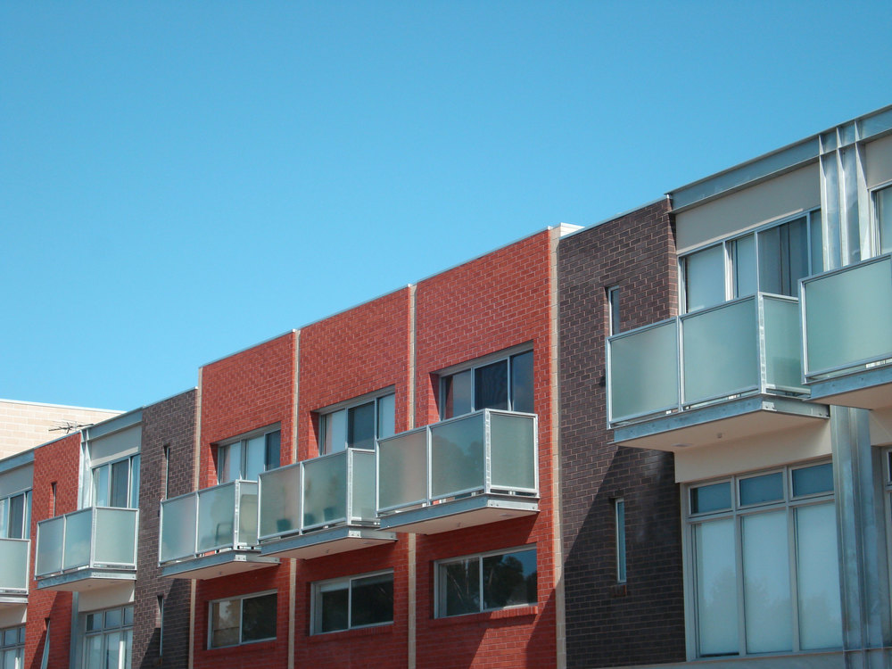 Dwelling heights vary allowing articulation dependant on the adjacent streetscape