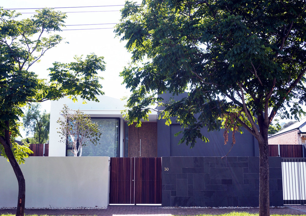 Yin_&_Yang_Tectvs_street.jpg