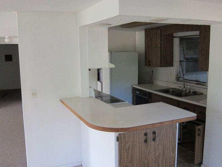 11a_kitchen.JPG