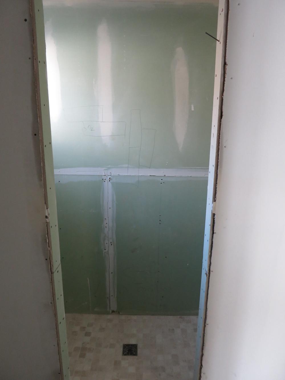 ma bath2 before.jpg